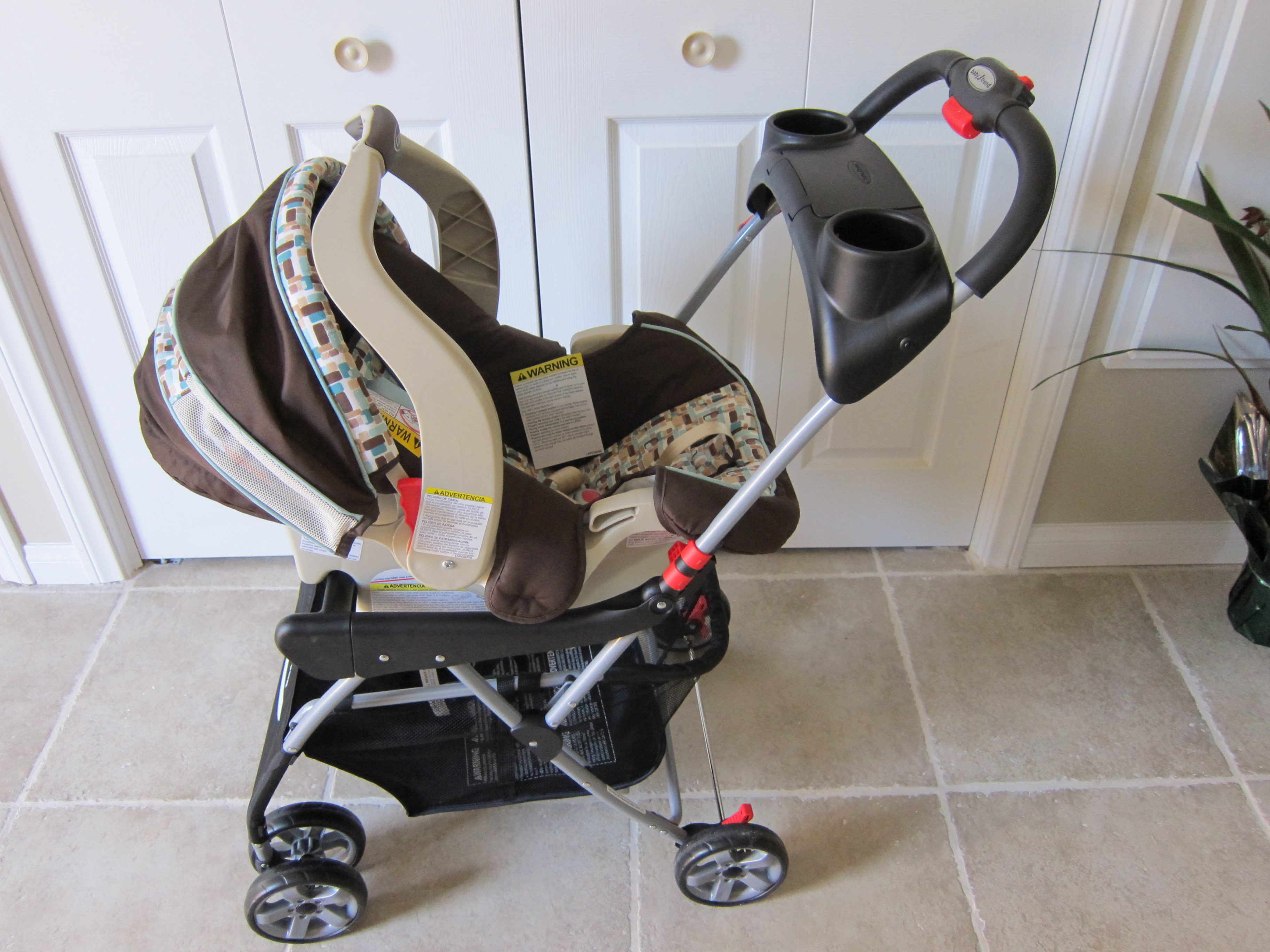 outfitting kosmos for a baby bassinet stroller and car seat kosmos travel log. Black Bedroom Furniture Sets. Home Design Ideas